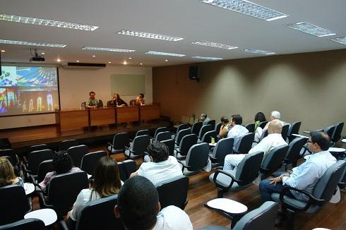Foto Prof. Pedro Pascutti (UFRJ) e Profa. Ligia Simonian (NAEA) - Seminário Interdisciplinaridade, processos educativos e de pesquisa (2014)